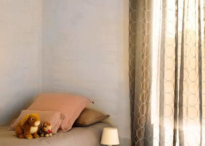cortina tradicional lamitek proteccion solar en pamplona