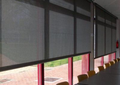 empresa cortinas enrollables a manivela en pamplona lagunak