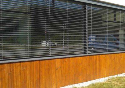 empresa de instalacion cortina enrollable en pamplona edificio