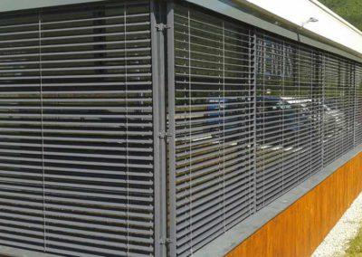 empresa de instalacion de cortina enrollable en pamplona edificio