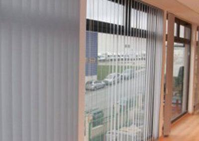 empresa de instalacion de cortinas verticales en pamplona oficina