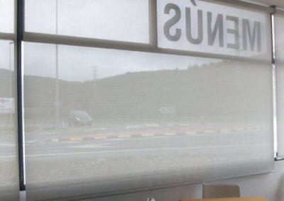 empresa instalacion cortina enrollable pamplona edificio