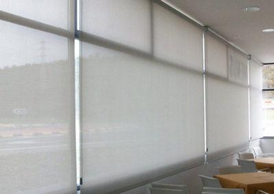 empresa instalacion cortinas enrollables en pamplona edificio