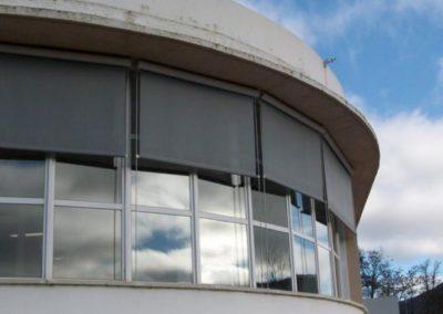 instalacion cortina enrollable pamplona aula gongora
