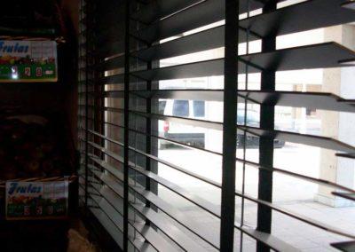 instalacion cortina veneciana en pamplona lamitek