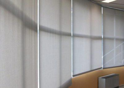 instalacion de cortinas enrollables en pamplona aula gongora