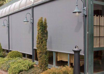 instalacion de cortinas para restaurante en pamplona
