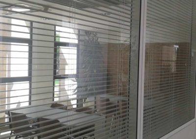 instalacion de cortinas venecianas de aluminio pamplona lamitek