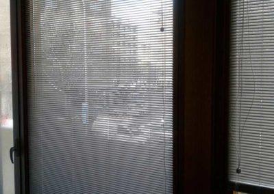 instalacion de cortinas venecianas y de lamina de intimidad en pamplona lamitek