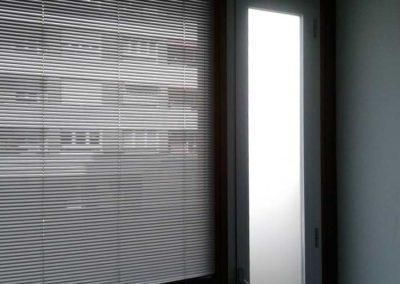 instalacion de cortinas venecianas y de lamina de intimidad pamplona lamitek