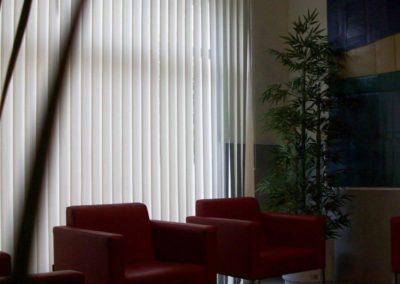 instalacion de cortinas verticales en pamplona residencia