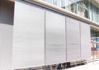 instalacion de persianas exteriores para edificio pamplona
