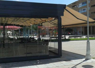 instalacion de toldo parasol en pamplona bar florencia