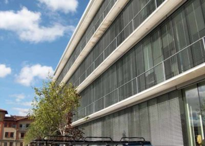 persiana exterior edificio pamplona